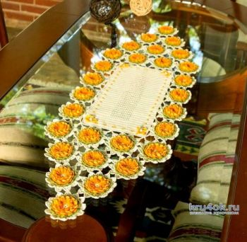 Красивая салфетка с Лилиями связана крючком