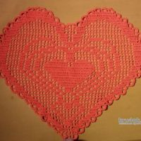 Салфетки крючком в виде сердца. Работы Виктора