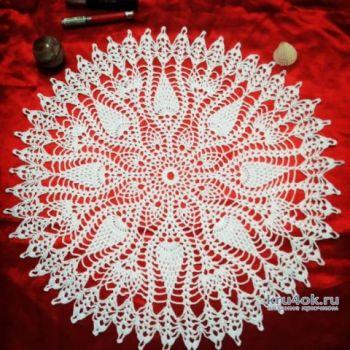 Красивая круглая салфетка от Натали Крафт