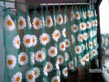 Вязание для дома - занавеска Ромашковое поле