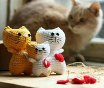 Сердечный котик крючком, схема вязания для начинающих