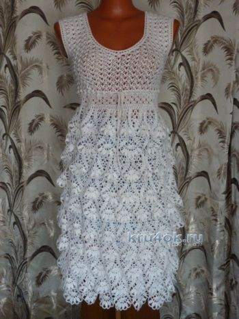 Вязаное крючком платье - сарафан