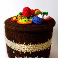 Шкатулка-тортик, связанная крючком