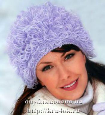 Теплая шапка с вытянутыми петлями