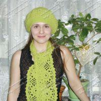 Зелёный комплект: берет и шарфик