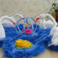 Салфетка с лебедями — работа Дианы из Северска