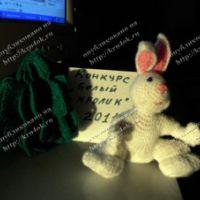 Вязаный кролик – работа Татьяны Беленькой