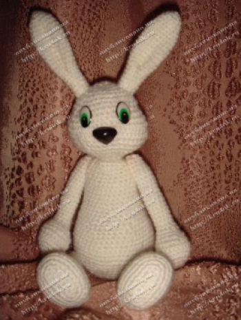Белый заяц крючком - работа Анны