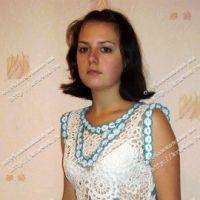 Бело-голубое вязаное платье. Вязание крючком.