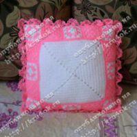 Бело-розовый чехол для подушки
