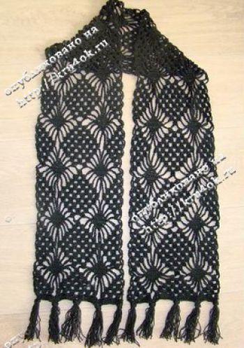 Весенний ажурный шарф, связанный крючком