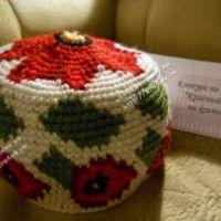 Жаккардовая шапка с маками